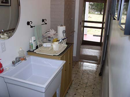 Small Garage Sink : nice little pedestal sink with a honkin big laundry sink